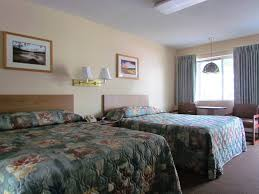 queen and double bed room lake haven motel in lake george