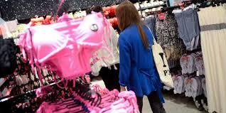 U K Hen G Stig An Die Eltern Deren Töchter Bei Primark Einkaufen
