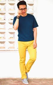 What To Wear With Light Jeans How Men Wear Yellow Pants The Confused Dasher
