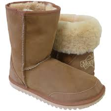 uggs sale the bay