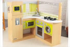 jouet cuisine bois cuisine d angle en bois jouet cuisine kidkraft bois naturel et jaune