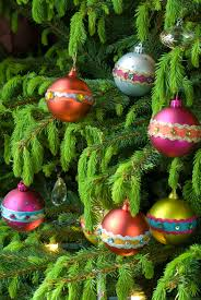 make your own decorations this christmas
