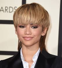 dlisted the look is zendaya u0027s mullet