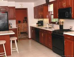 Cherry Cabinets In Kitchen 141 Best Kitchens With Black Appliances Images On Pinterest
