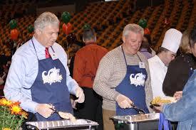 file thanksgiving dinner served in boston jpg wikimedia commons