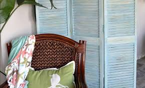 How To Make A Curtain Room Divider - how to make a diy room divider out of bifold closet doors