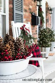 Outdoor Christmas Decorations Front Porch by Best 25 Holiday Porch Decorations Ideas On Pinterest Chicken