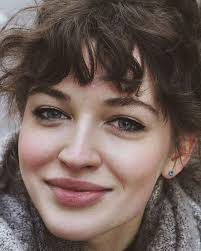 should i get bangs for my hair to hide wrinkles i need to get these bangs my hair wants to do this naturally so