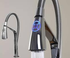 robinetterie cuisine les robinets de cuisine nouvelle génération électroniques fiables