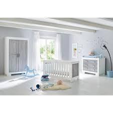 chambre compl te b b avec lit volutif ensemble chambre bébé avec lit à barreaux évolutif 140x70 cm commode