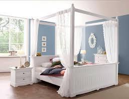 sch ne schlafzimmer himmelbett holz haltbar und schöne möbel für das schlafzimmer