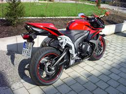 cbr 600 black honda cbr pictures posters news and videos on your pursuit