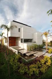 30 contemporary entrance design concepts for your property decor