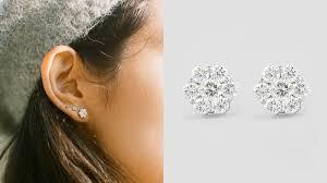 diamond stud earings 18 karat gold flower stud earrings with 1 carat total weight