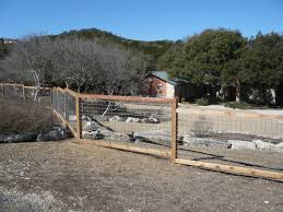 need a fence to keep the chihuahua in in yard ideas for the