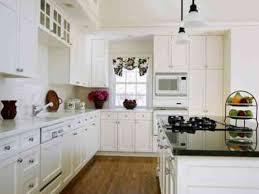 cuisine en bois blanc cuisine blanche en bois cuisine blanche et plan de travail bois