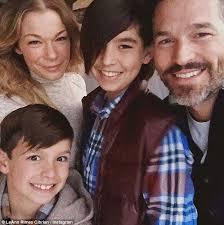 Awkward Family Photos Thanksgiving Letter Leann Rimes Creates Awkward Family Photo All Of Her Own With Eddie