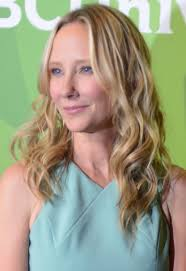 anne heche hairstyles file anne heche july 14 2014 cropped jpg wikimedia commons