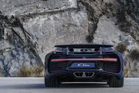 bugatti chiron crash bugatti chiron vs koenigsegg regera drivetribe
