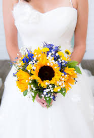 Sunflower Bouquets 25 Swoon Worthy Spring U0026 Summer Wedding Bouquets Tulle