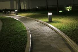 5 tips for improving your outdoor space with landscape lighting