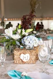 Burlap Wedding Centerpieces by Best 20 Small Country Weddings Ideas On Pinterest Camo Wedding