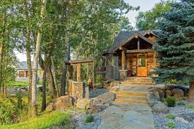 Farmhouse Ranch Rustic Farmhouse With Views Over Yellowstone River Lazy Heart Ranch
