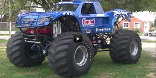 bigfoot monster truck 2014 the epic moment bigfoot u0027s world record for longest ramp jump