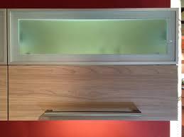 hängeschrank küche glas kostenintensive praktische planungselemente küchen info