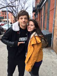 meets louis tomlinson asks him to draw a hedgehog for new