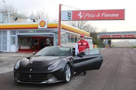 Ferrari F12 Drift - video lap in a ferrari f12 with kimi räikkönen gtspirit