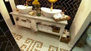 ideas on decorating a bathroom small bathroom decorating ideas hgtv