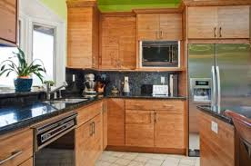 selecting the right bamboo kitchen cabinets for any kind of home
