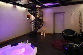 chambre baignoire balneo la chambre d hôtel avec le heaven