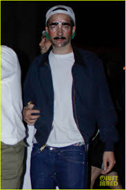 kristen stewart u0026 robert pattinson halloween party pair photo