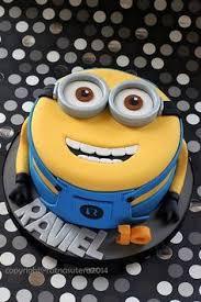 minion birthday cake ideas https i pinimg 236x 19 82 f1 1982f10121817ab