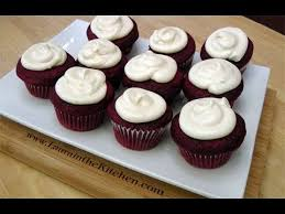 how to make red velvet cupcakes w cream cheese frosting laura