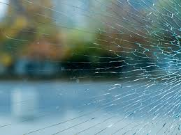 how to fix cracked glass window why do windshields and what should i do if it happens to me
