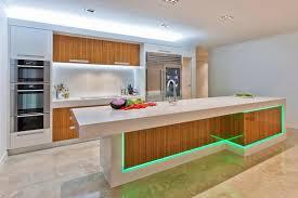 cuisine bois et blanc laqué cuisine moderne blanc laque evtod