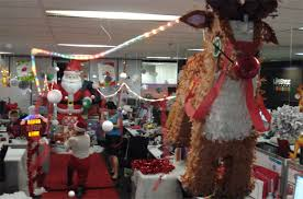 31 innovative office christmas decorating themes yvotube com