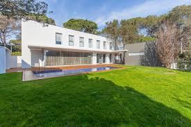 arquitectos barcelona design a home in cataluña for a scandinavian