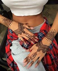 be ready for a spectacular tour of the henna tattoo world