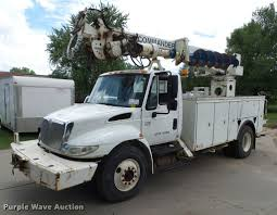2005 international durastar 4300 service truck with crane