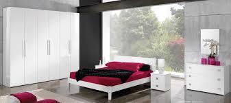 chambre blanc laqué meuble chambre blanc laqu top ensemble meubles design pour chambre