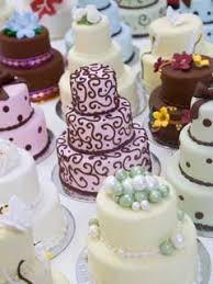 individual wedding cakes adorable mini wedding cakes