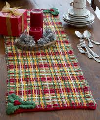 Christmas Plaid Table Runner by Holiday Table Runner Free Knitting Pattern From Red Heart Yarns