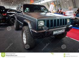 jeep xj stock bumper a fully capable off road suv jeep cherokee xj ltd 2000 editorial