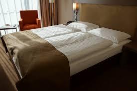 chambre de dormir images gratuites sol chalet meubles appartement dormir suite