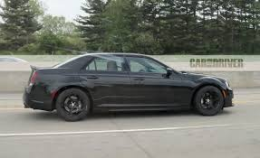 chrysler 300c srt chrysler 300 srt hellcat spy photo pictures photo gallery
