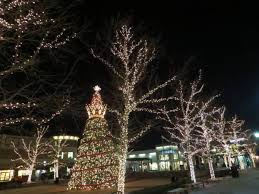 zona rosa tree lighting christmas 2016 kansas city dazzles as the midwest s city of lights